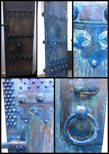 Antique doors: fully relooked with blue patine